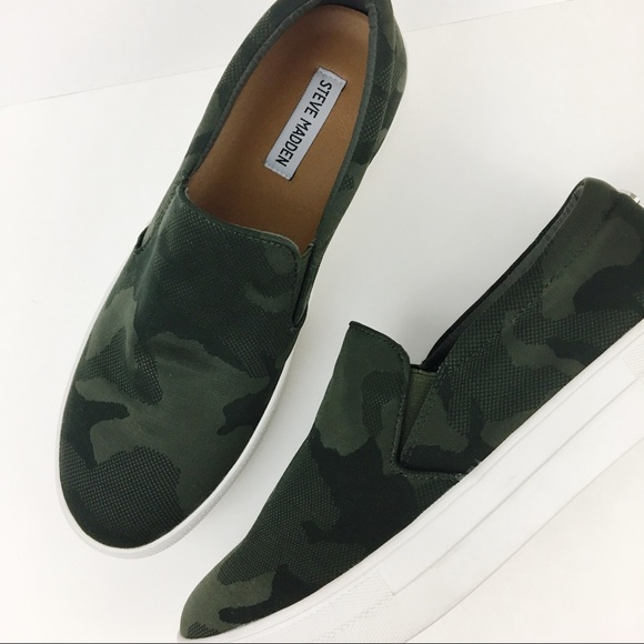 2a3360365a4 Steve Madden Gills camo army slip on sneakers